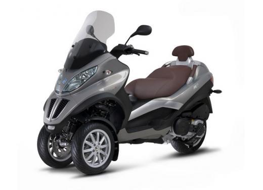 Nuova gamma Piaggio MP3 LT 2013: due modelli per lo scooter a tre ruote - Foto 3 di 5