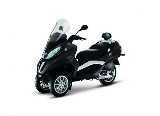 Nuova gamma Piaggio MP3 LT 2013: due modelli per lo scooter a tre ruote - Foto 4 di 5