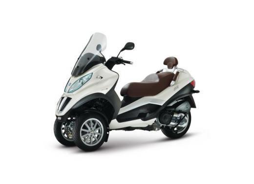 Nuova gamma Piaggio MP3 LT 2013: due modelli per lo scooter a tre ruote - Foto 5 di 5