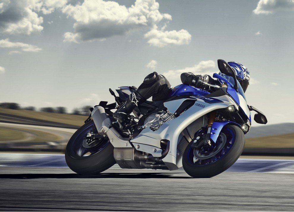 Nuova Yamaha R1: è lei la regina - Foto 3 di 95