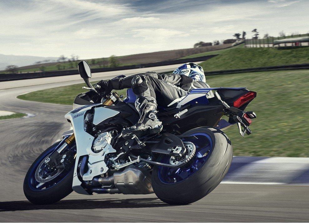Nuova Yamaha R1: è lei la regina - Foto 8 di 95