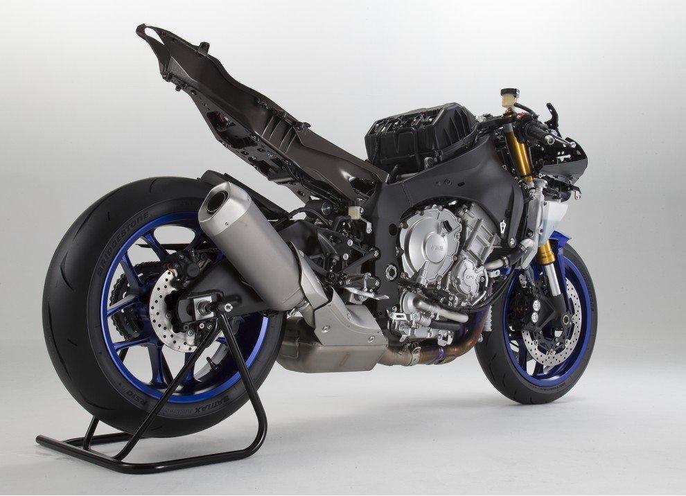 Nuova Yamaha R1: è lei la regina - Foto 10 di 95