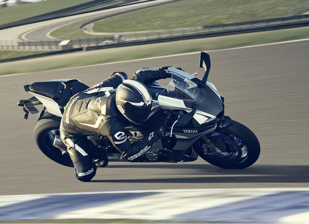 Nuova Yamaha R1: è lei la regina - Foto 36 di 95