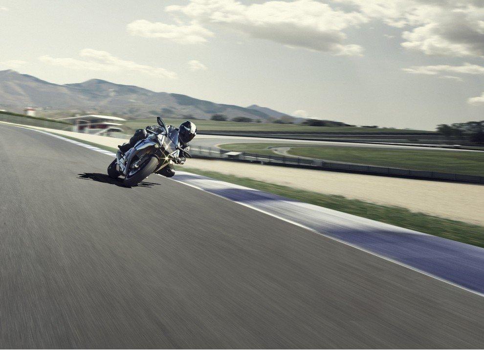 Nuova Yamaha R1: è lei la regina - Foto 38 di 95