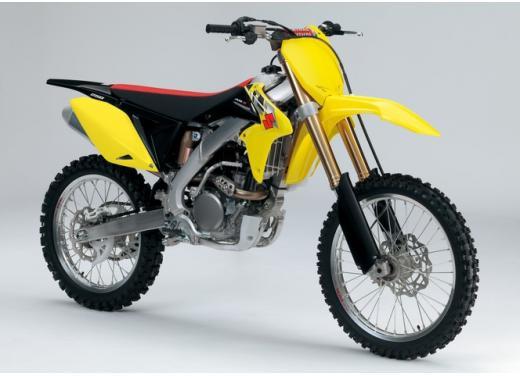 Nuove Suzuki RM-Z 250 e RM-Z 450, aggiornameno 2014 dei modelli cross