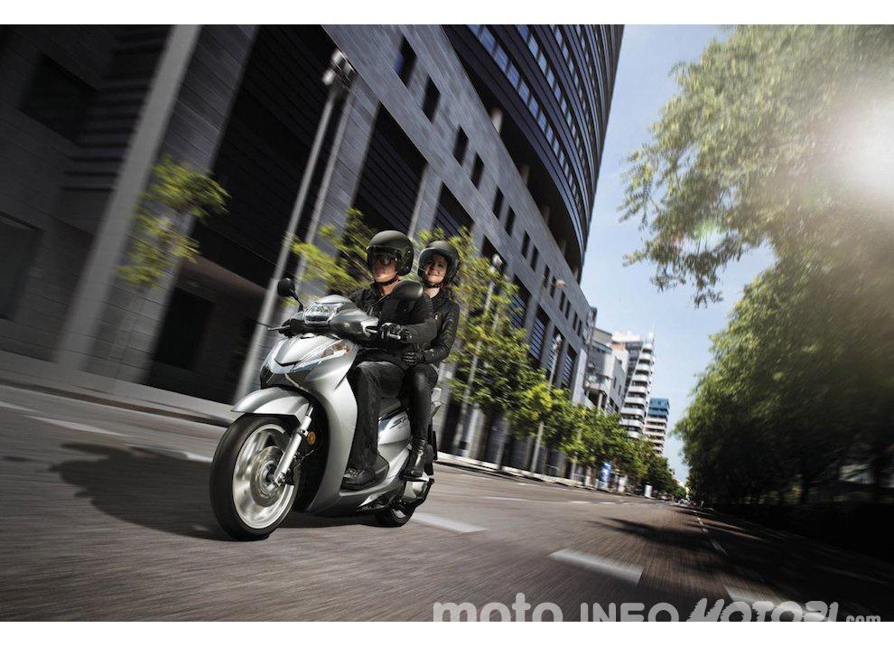 Nuovo Honda SH 300i ABS 2016 - Foto 1 di 22