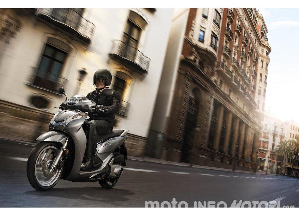 Nuovo Honda SH 300i ABS 2016 - Foto 22 di 22