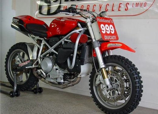 Ducati 999 Beach Racer: una superbike diventa una off-road da spiaggia - Foto 6 di 12
