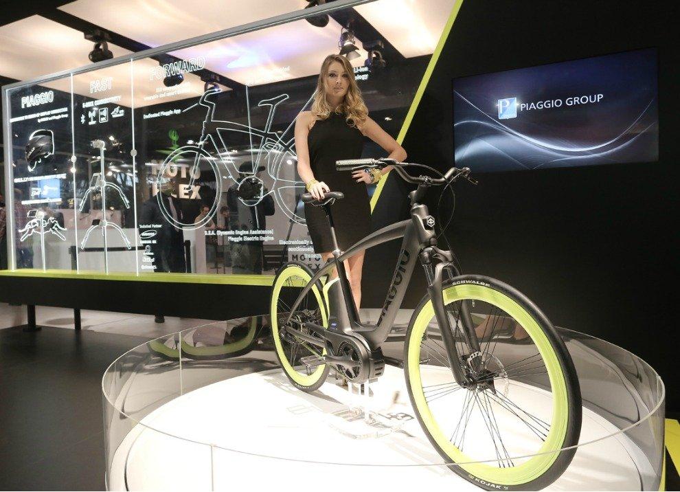 Piaggio Electric Bike Project con motore elettrico - Foto 3 di 7