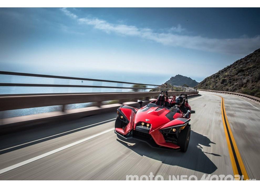 Polaris Slingshot: Adrenalina a mille col tre ruote sportivo [Video]