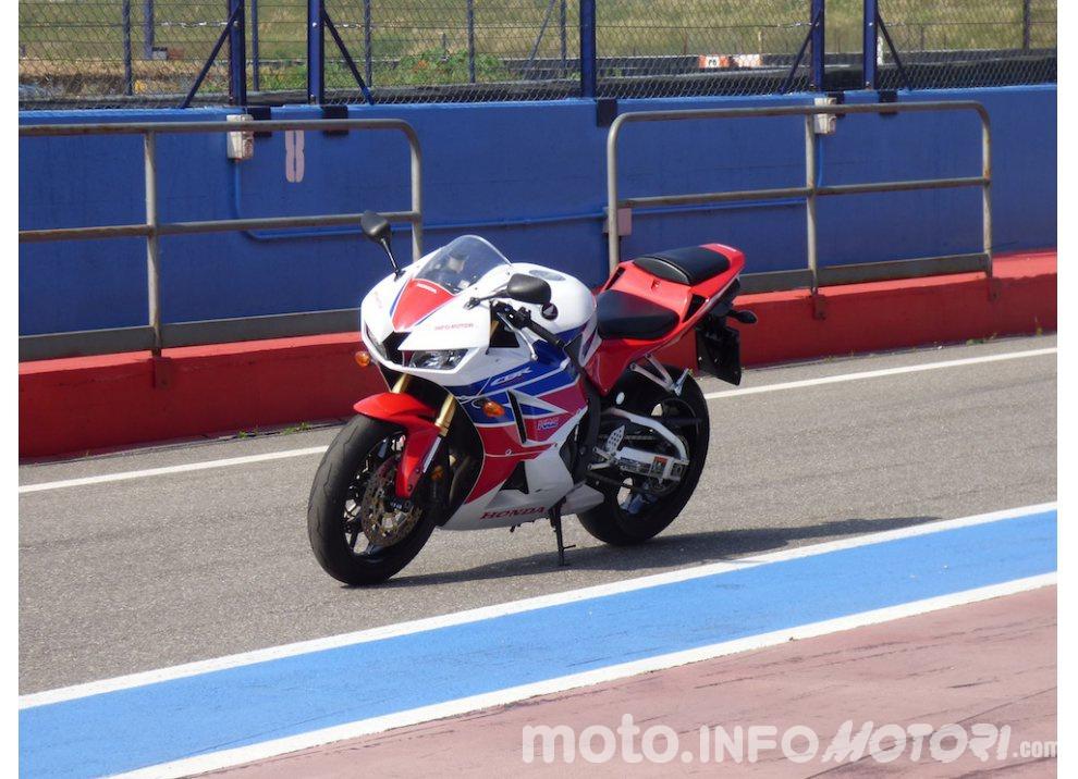 Honda CBR 600RR 2015, prova in pista [Video]