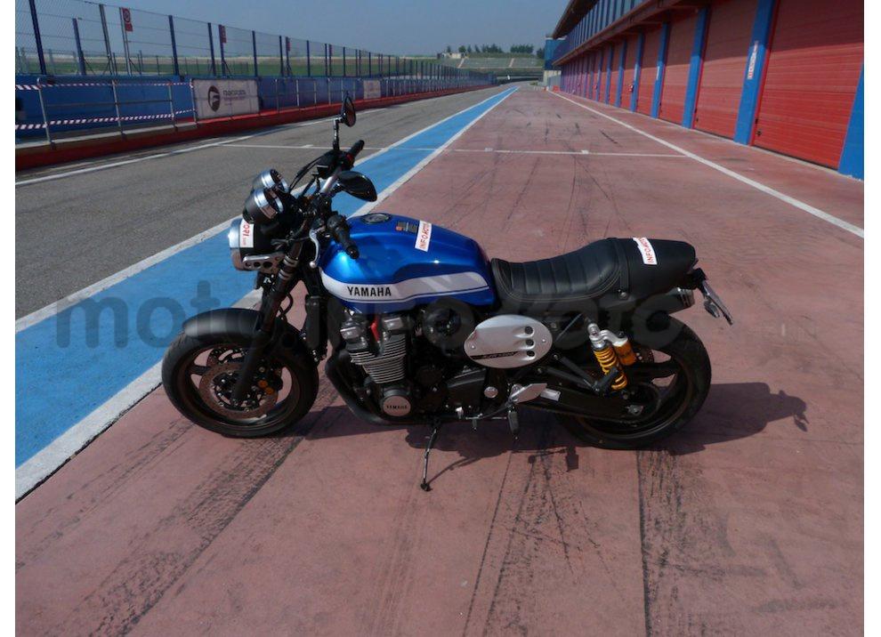Prova Yamaha XJR 1300: tanta coppia su strada e pista - Foto 5 di 25