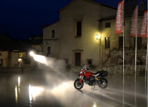 Provata la nuova Ducati Hyperstrada: divertirsi molto, viaggiare con moderazione - Foto 2 di 27