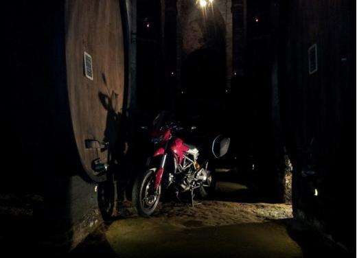 Provata la nuova Ducati Hyperstrada: divertirsi molto, viaggiare con moderazione - Foto 3 di 27