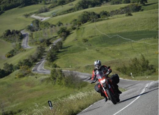 Provata la nuova Ducati Hyperstrada: divertirsi molto, viaggiare con moderazione - Foto 4 di 27