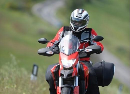Provata la nuova Ducati Hyperstrada: divertirsi molto, viaggiare con moderazione - Foto 10 di 27