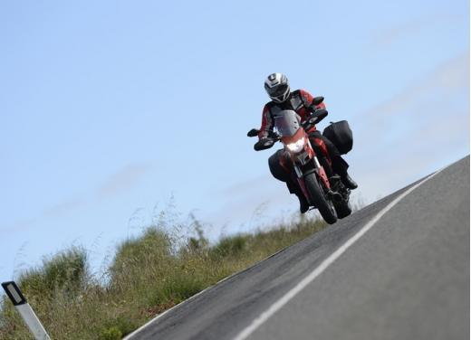 Provata la nuova Ducati Hyperstrada: divertirsi molto, viaggiare con moderazione - Foto 11 di 27
