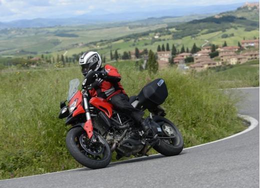 Provata la nuova Ducati Hyperstrada: divertirsi molto, viaggiare con moderazione - Foto 1 di 27