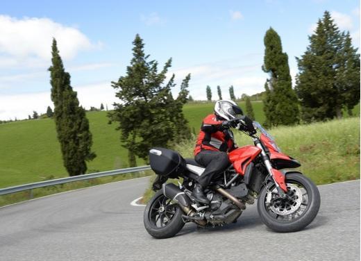 Provata la nuova Ducati Hyperstrada: divertirsi molto, viaggiare con moderazione - Foto 15 di 27