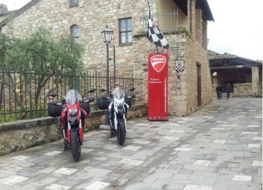 Provata la nuova Ducati Hyperstrada: divertirsi molto, viaggiare con moderazione - Foto 17 di 27