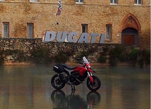 Provata la nuova Ducati Hyperstrada: divertirsi molto, viaggiare con moderazione - Foto 23 di 27