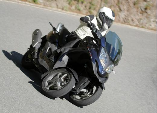 Quadro 350S: test ride a tre ruote - Foto 13 di 38