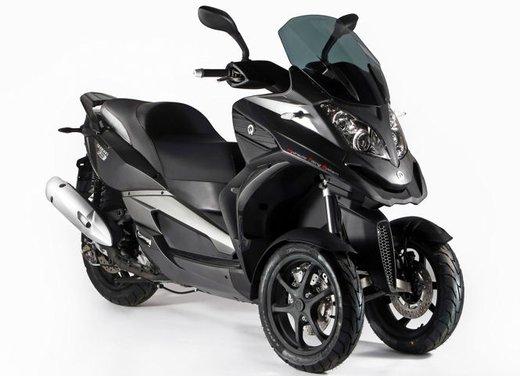 Quadro 350D: iniziate le consegne dello scooter tre ruote