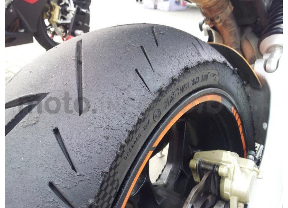 Recensione pneumatici Conti Sport Attack 2 su Yamaha R6, strada e pista - Foto 5 di 5