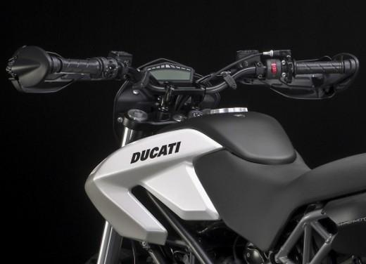 Ducati Hypermotard 796 – Test Ride - Foto 4 di 8
