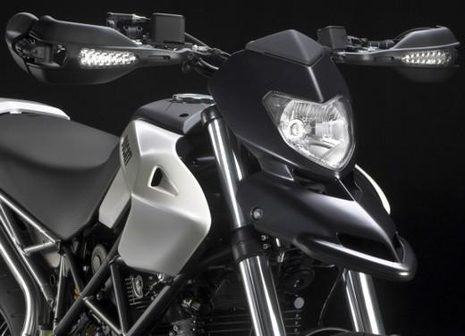 Lunga prova per la Ducati Hypermotard 796 che fa della piccola cilindrata il suo punto di forza