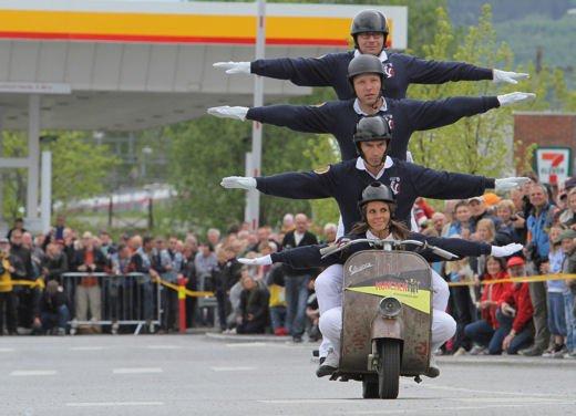 Vespa World Days 2011: in Norvegia a migliaia per festeggiare i 65 anni di Vespa - Foto 4 di 20