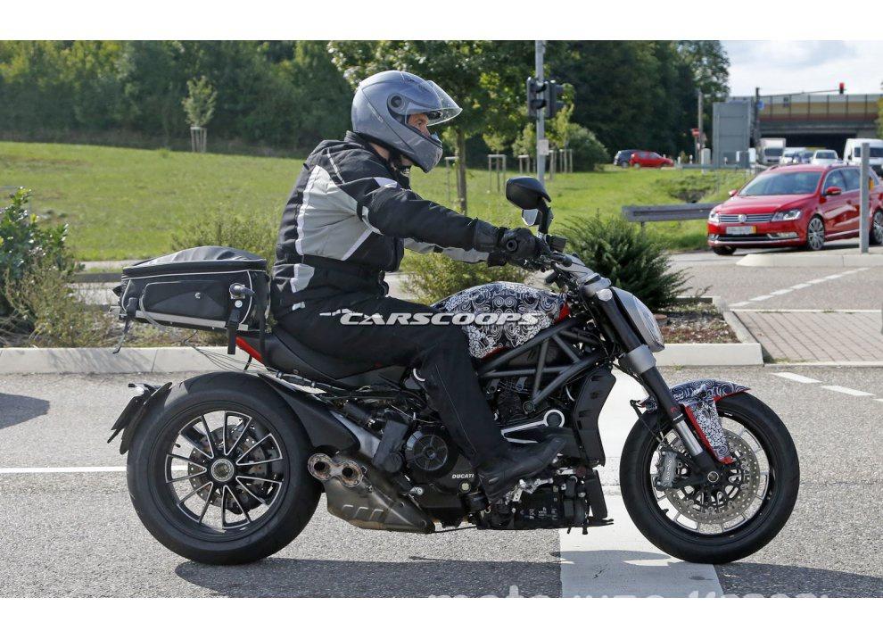 Scoop Ducati Diavel 2016: è davvero del tutto nuova - Foto 1 di 8