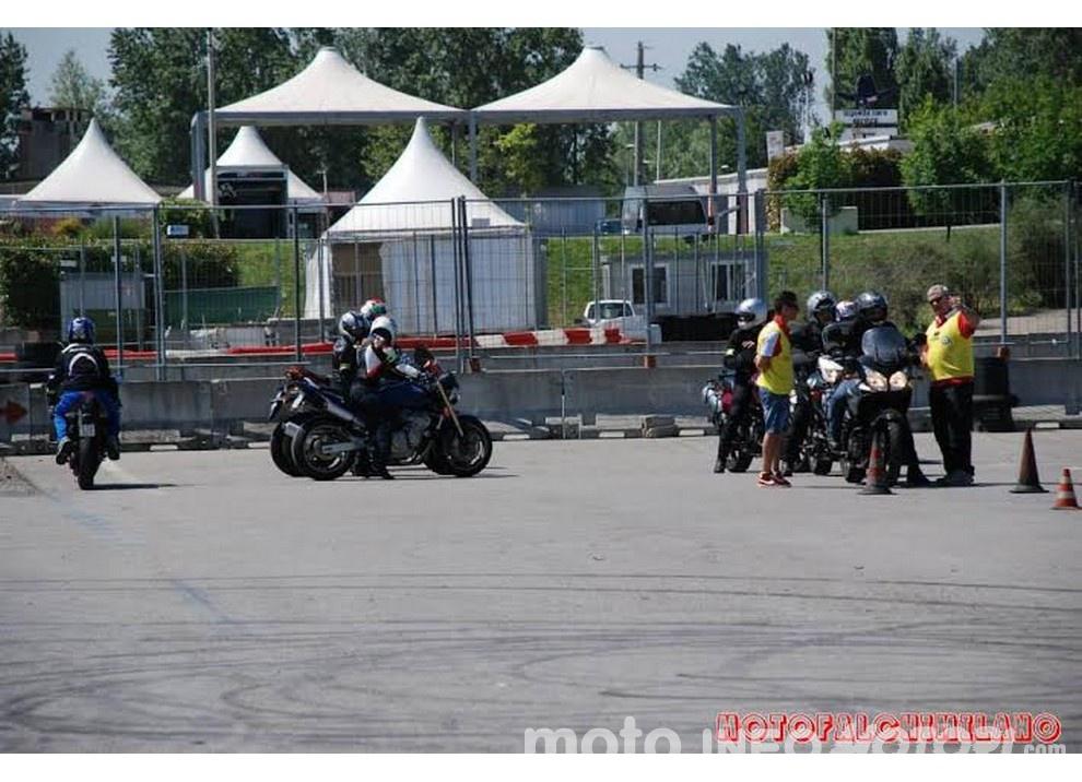 Tutti a scuola con Ciapa la Moto e ASD aMotoMio - Foto 2 di 7