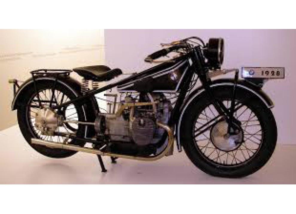 Speciale BMW Motorrad: 80 anni in moto - Foto 2 di 7