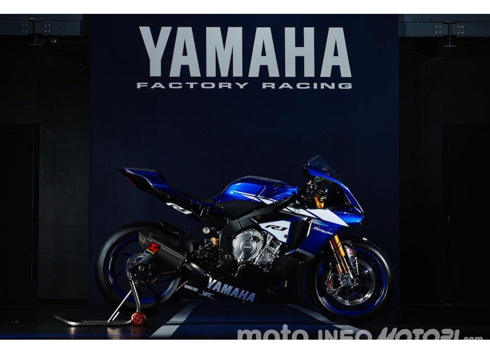 Superbike 2016, ritorno ufficiale di Yamaha con Guintoli, Lowes e un po' di Rossi - Foto 4 di 4