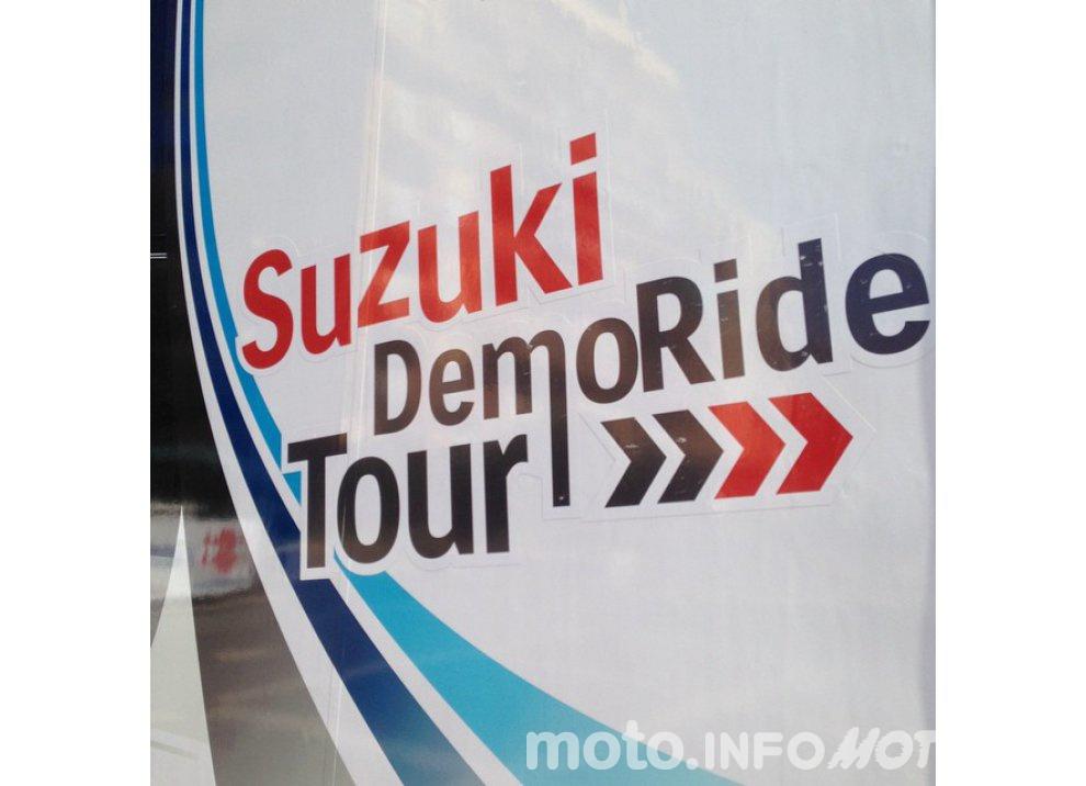 Suzuki, continuano i Demo Ride Tour dal Piemonte alla Sicilia - Foto 1 di 11