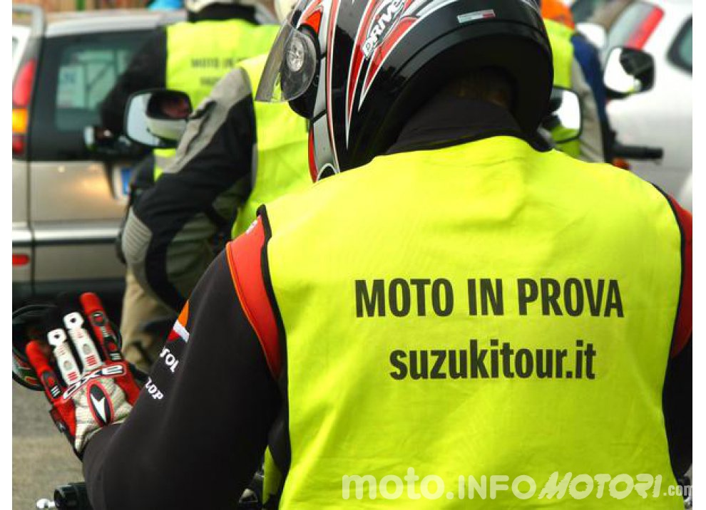 Suzuki, continuano i Demo Ride Tour dal Piemonte alla Sicilia - Foto 3 di 11