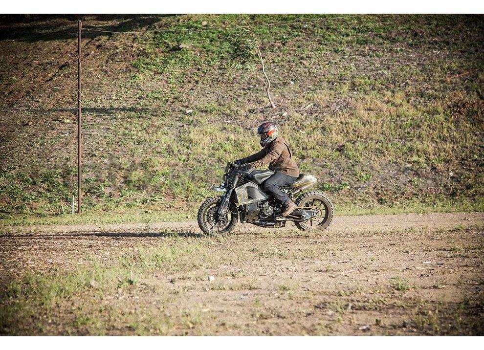 Ducati e Suzuki in un'unica moto: è la SuzuCati di Roland Sands - Foto 9 di 31