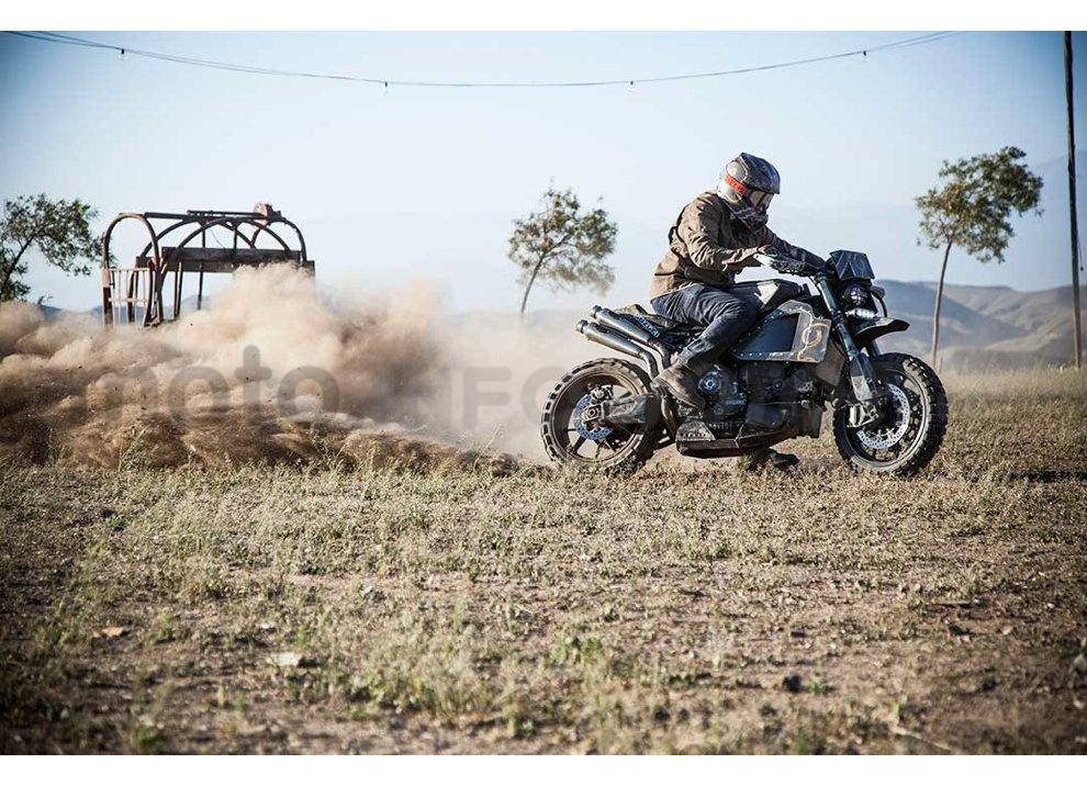 Ducati e Suzuki in un'unica moto: è la SuzuCati di Roland Sands - Foto 10 di 31