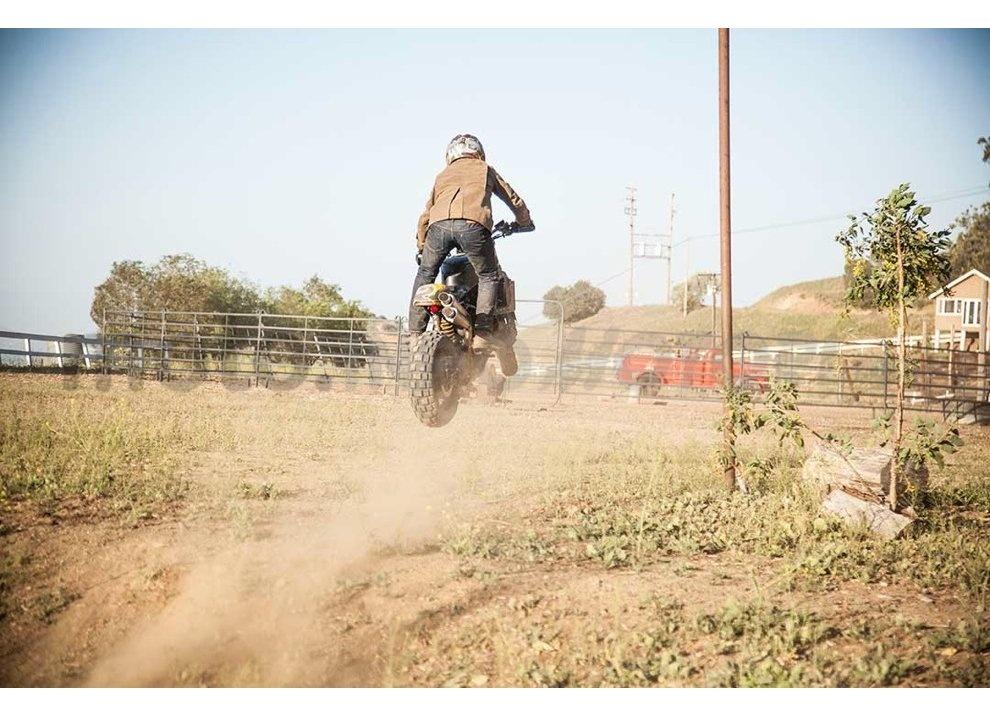 Ducati e Suzuki in un'unica moto: è la SuzuCati di Roland Sands - Foto 14 di 31