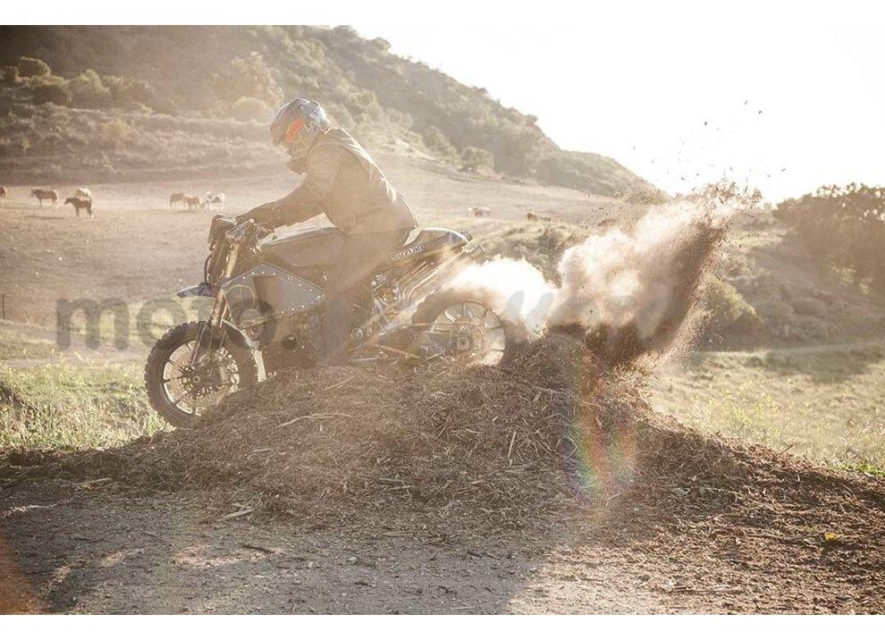 Ducati e Suzuki in un'unica moto: è la SuzuCati di Roland Sands - Foto 4 di 31
