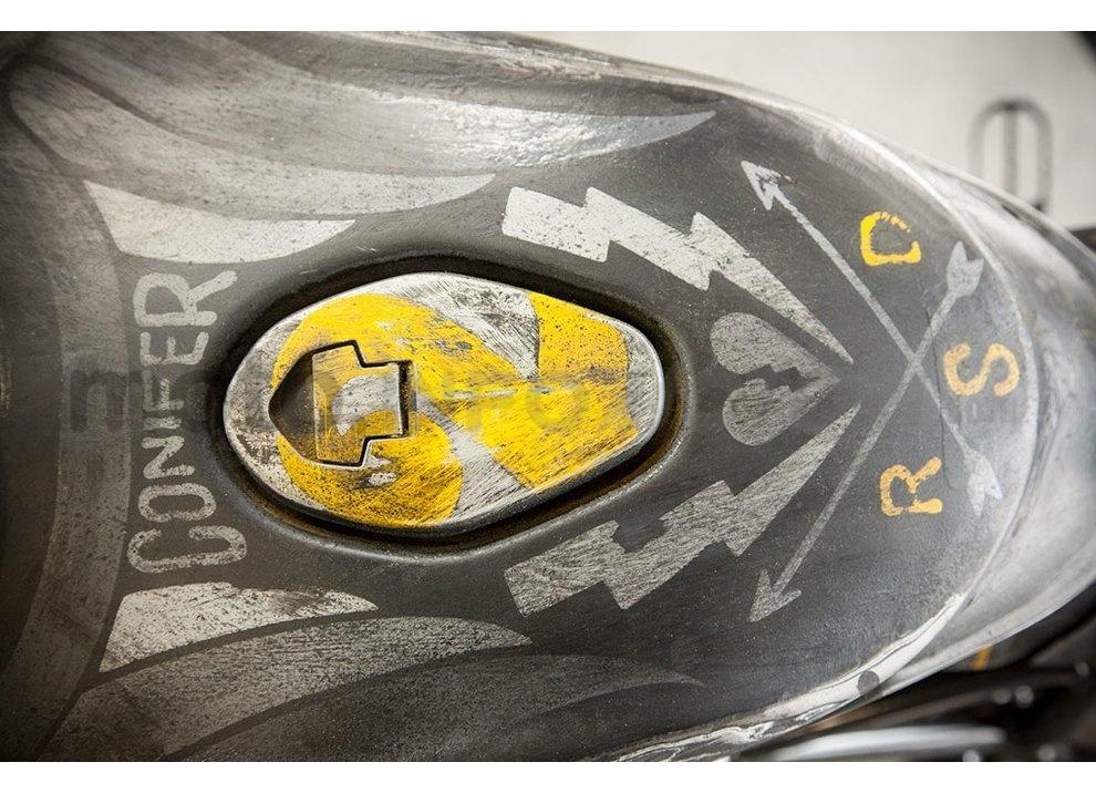 Ducati e Suzuki in un'unica moto: è la SuzuCati di Roland Sands - Foto 5 di 31