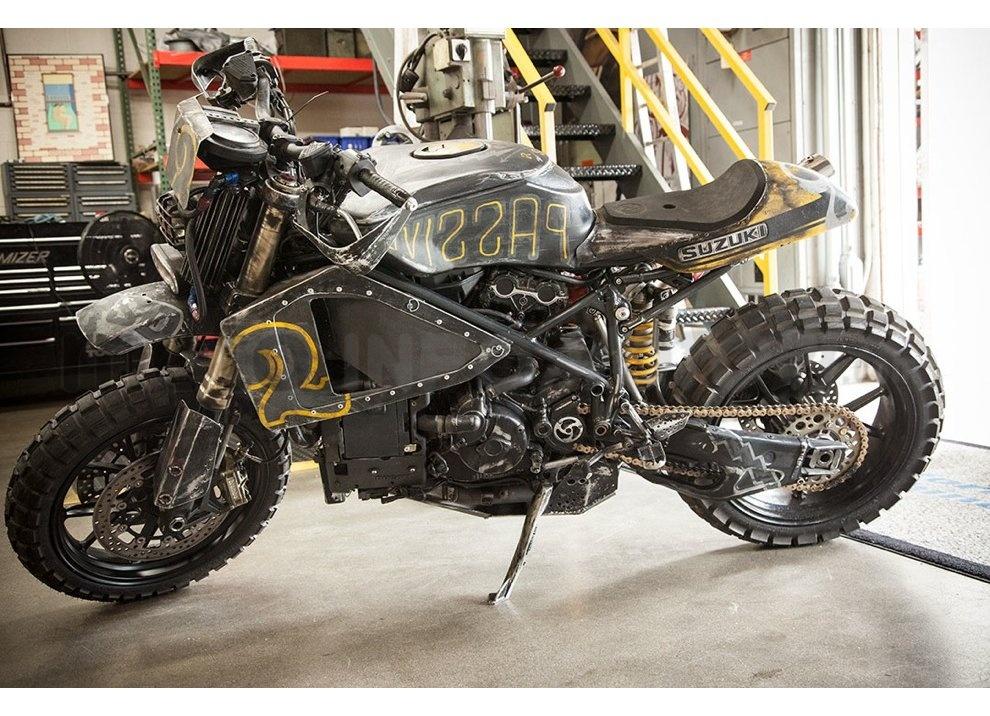 Ducati e Suzuki in un'unica moto: è la SuzuCati di Roland Sands - Foto 25 di 31