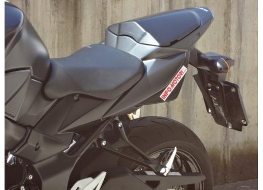 Suzuki GSR 750, la naked sportiva con performance da maxi - Foto 13 di 25