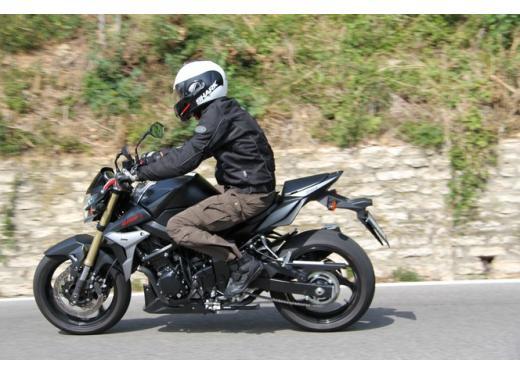 Suzuki GSR 750, la naked sportiva con performance da maxi - Foto 8 di 25