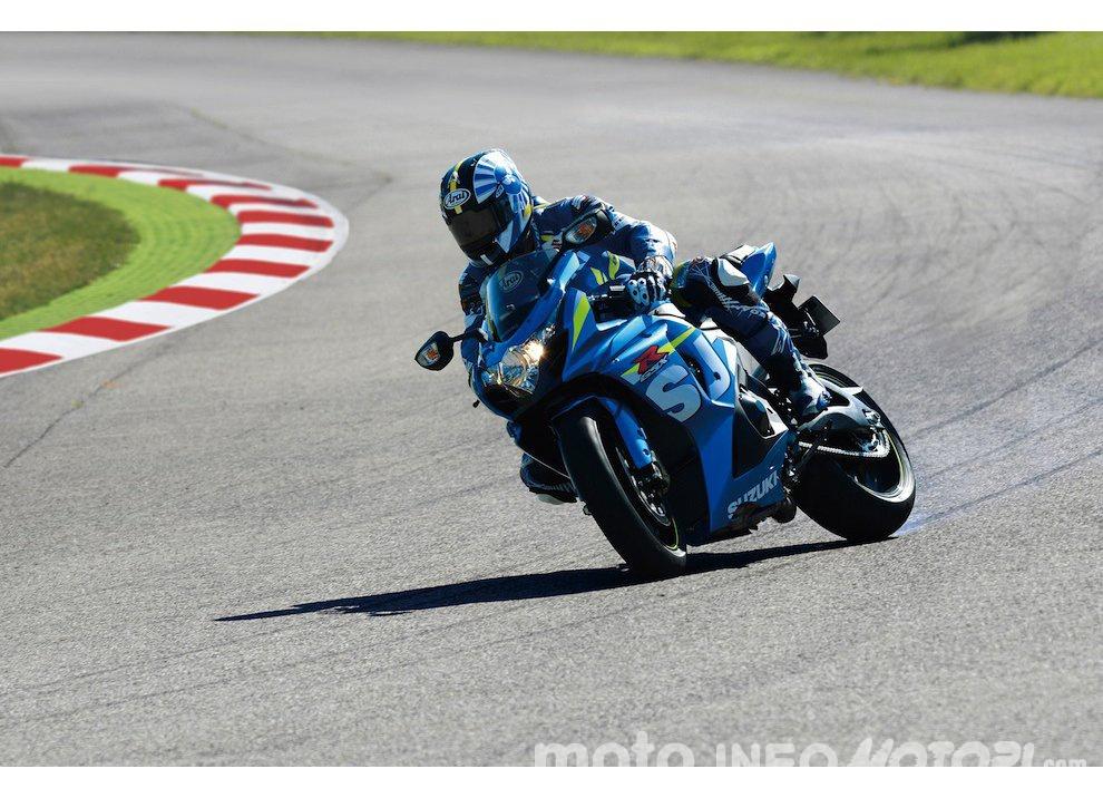 Suzuki GSX-R 2015 MotoGP replica e scarico Yoshimura