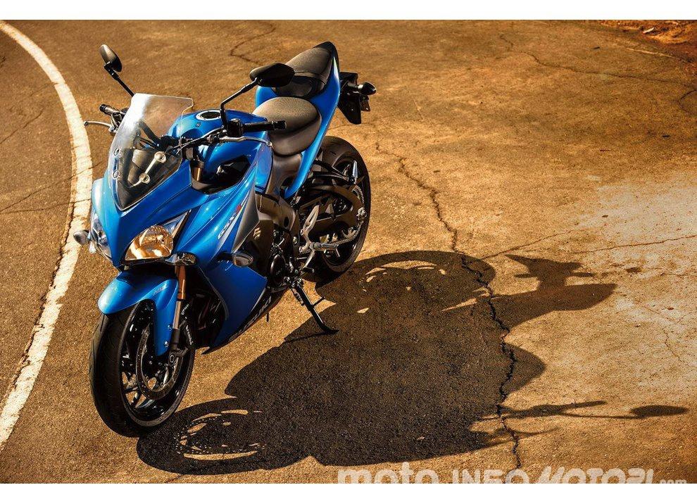 Suzuki GSX-S 1000F, per il buono ed il cattivo tempo - Foto 4 di 12