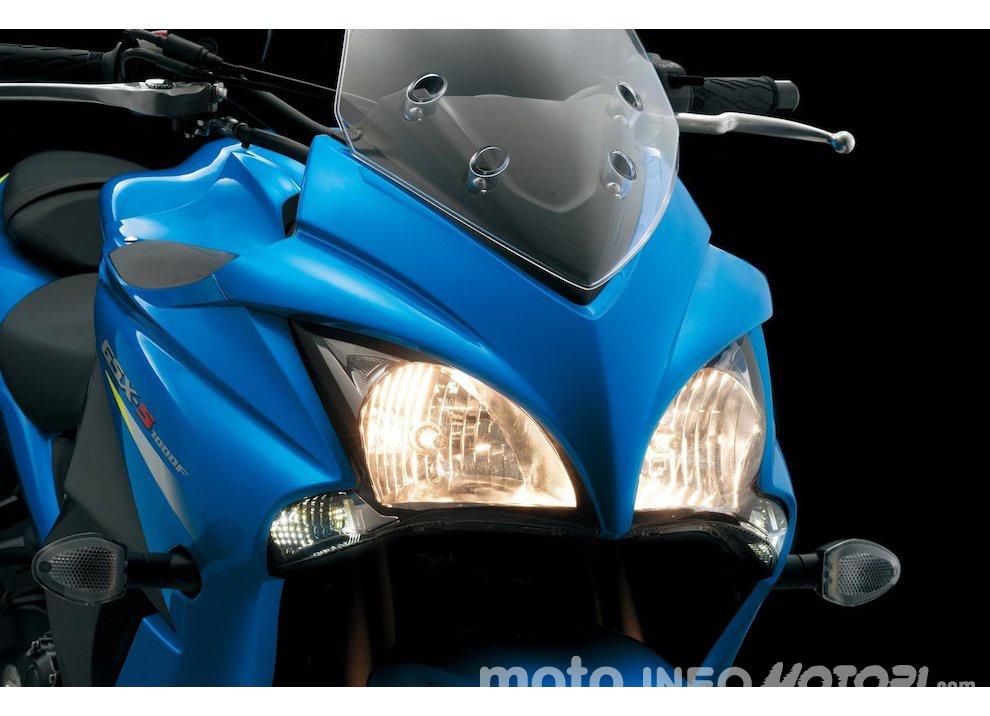 Suzuki GSX-S 1000F, per il buono ed il cattivo tempo - Foto 7 di 12