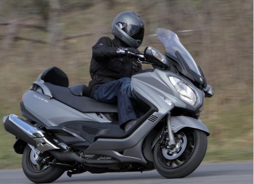 Suzuki moto nuovo listino prezzi 2013