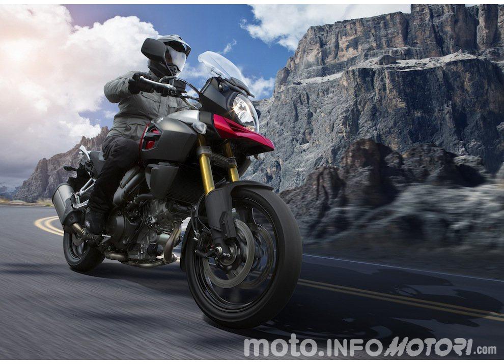 Suzuki: promozioni e sconti sulla gamma moto e scooter 2015 - Foto 5 di 13
